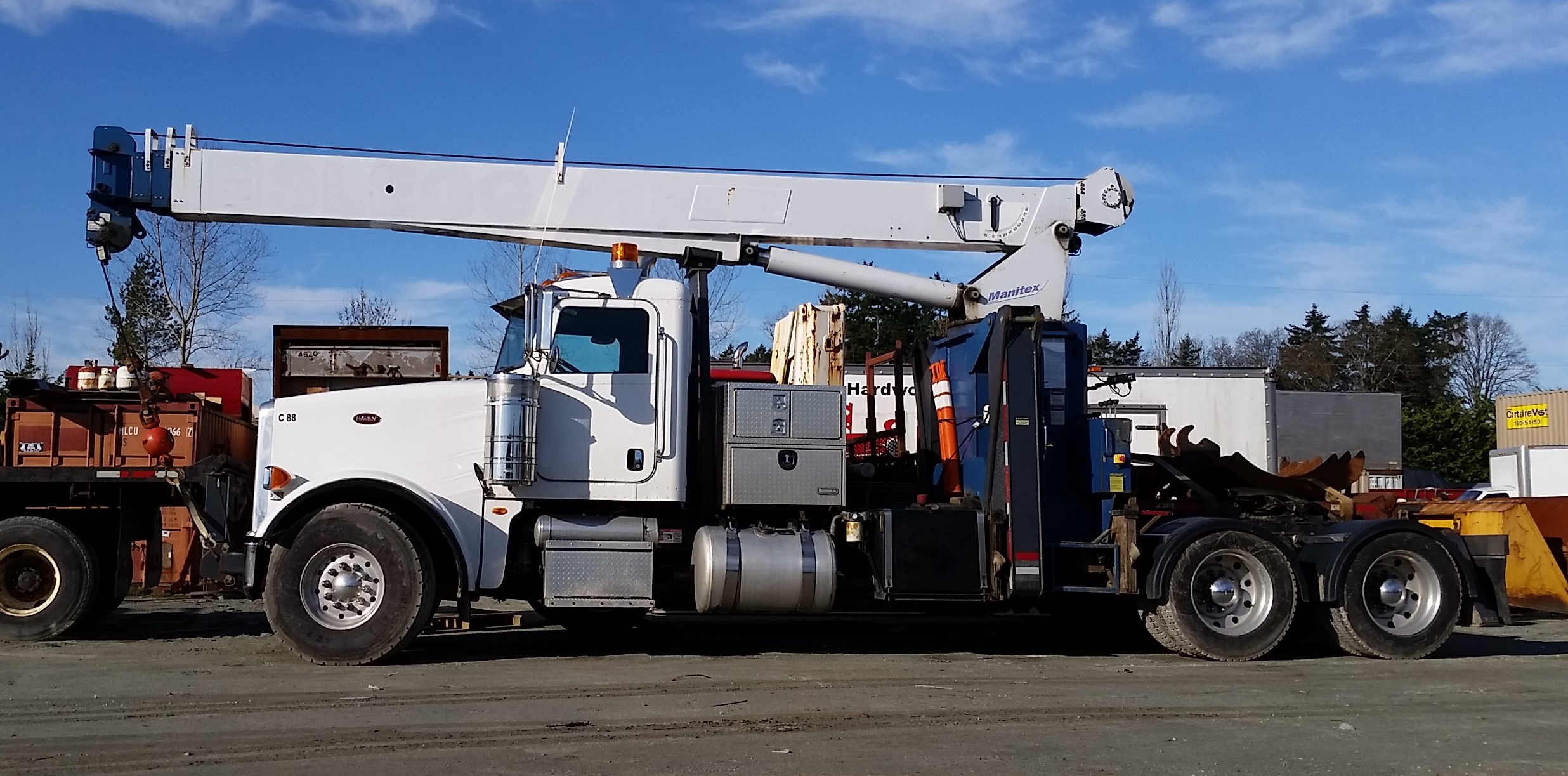 Photo of 2011 Peterbilt - Manitex 2281 Crane